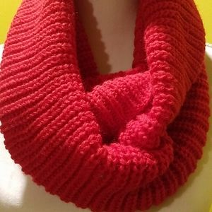 🥀Red infinity scarf